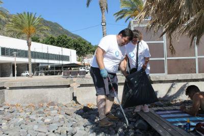 Machico ambiente: limpeza da praia de São Roque